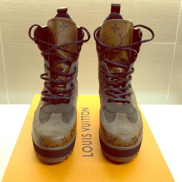 993e181e45e9 Louis Vuitton Shoes - Louis Vuitton Laureate Desert Combat Boot - Size 7